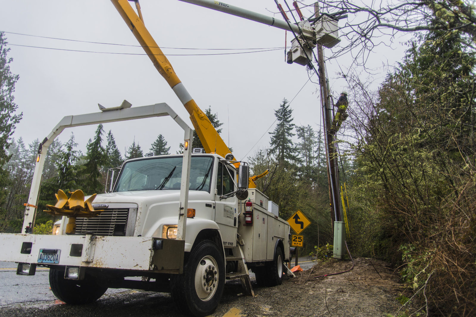 utility lift truck